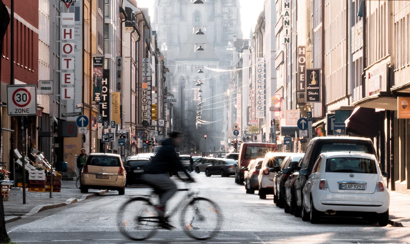 Trafikplanering för att göra det bättre för cyklar och fotgängare