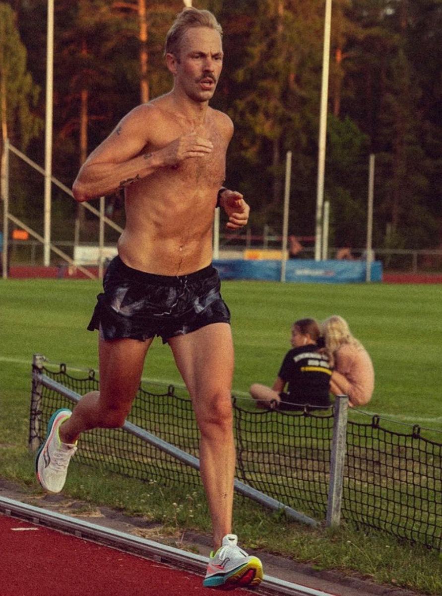 Manne tillbaka – om löpning, missbruk och kvinnoben