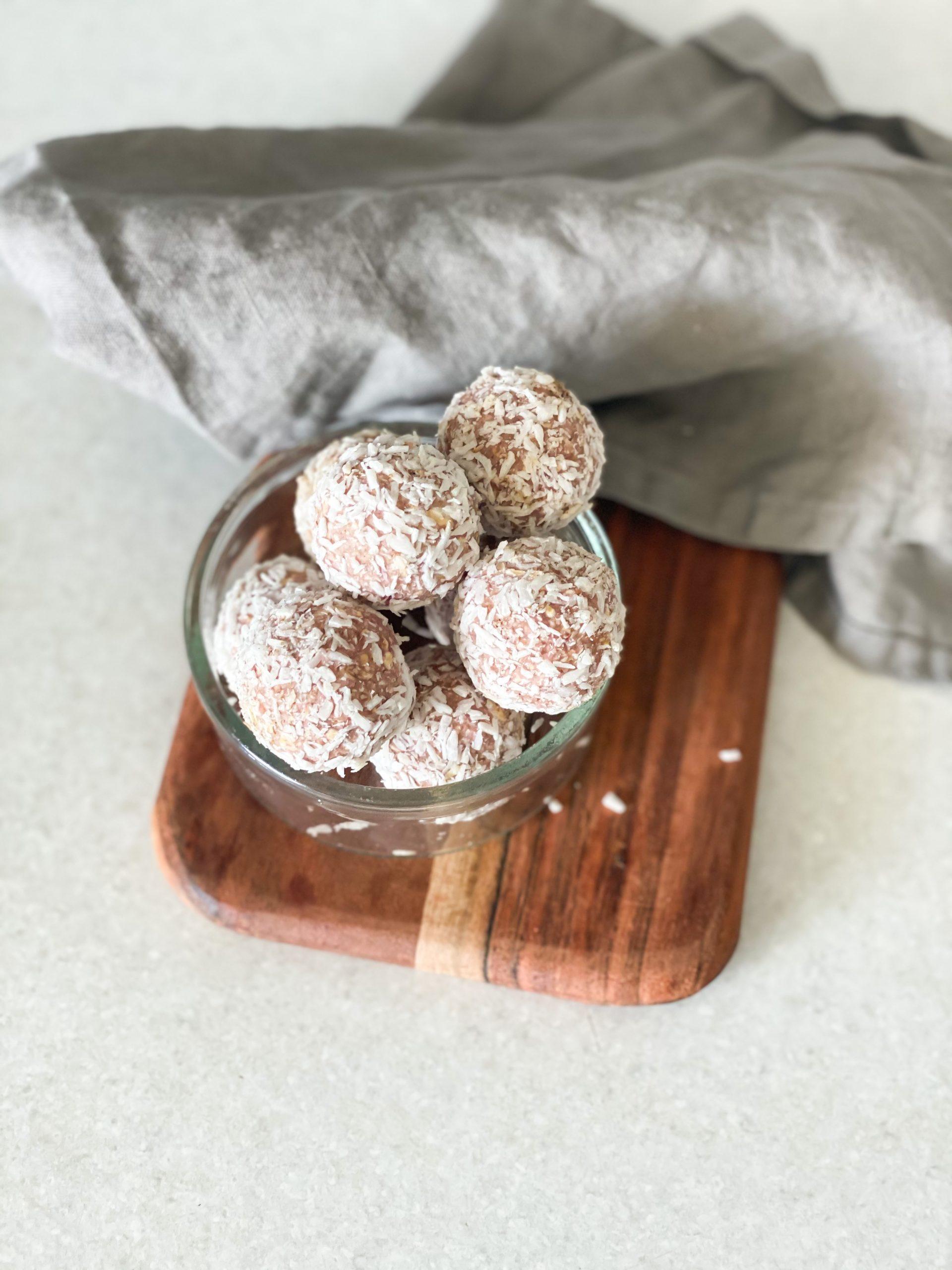 Proteinbollar med hallon- och lakrits