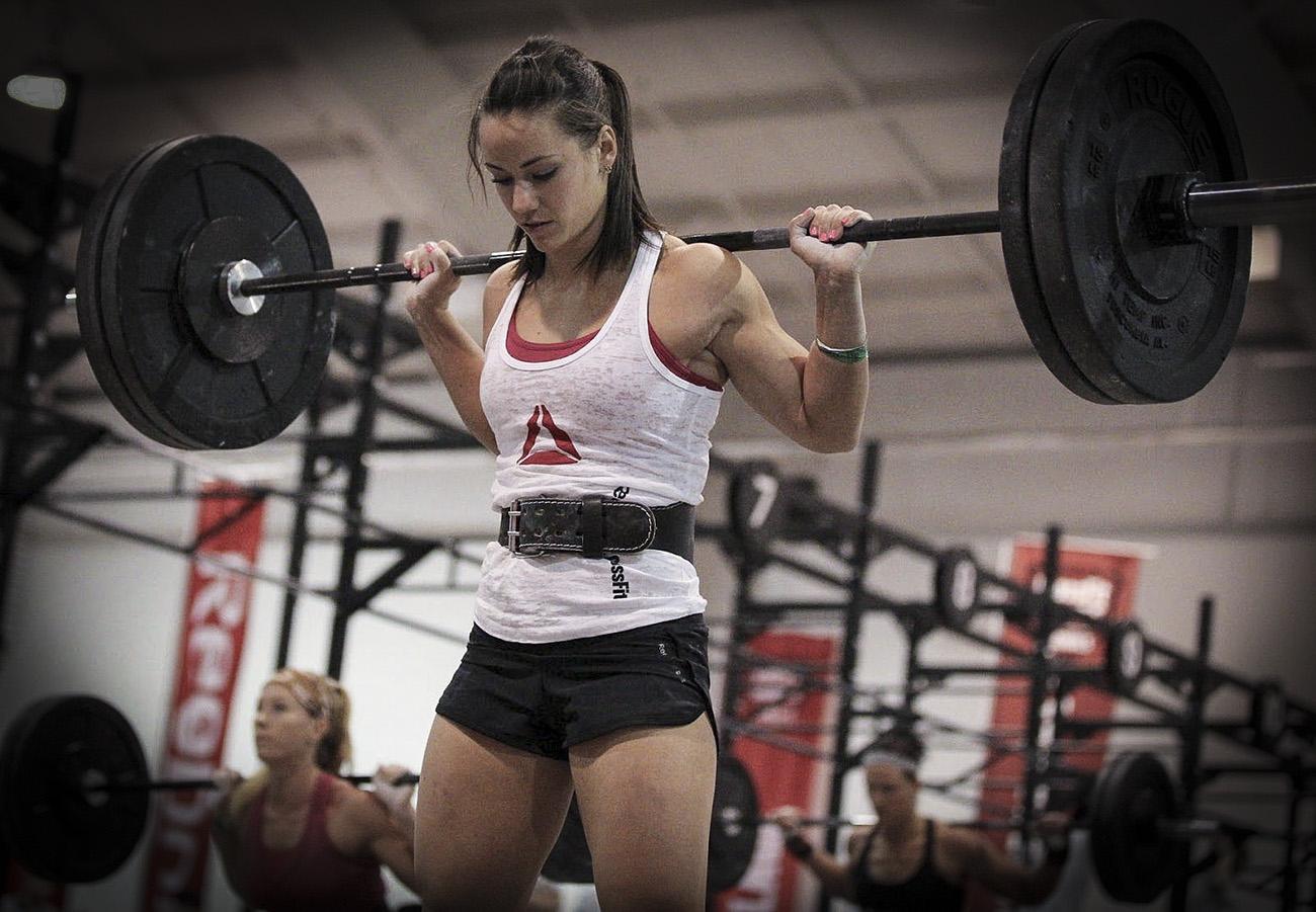 Den lyftande kvinnan – muskler är det nya svarta
